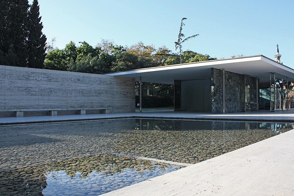 近代建築の最高傑作「バルセロナ・パビリオン」
