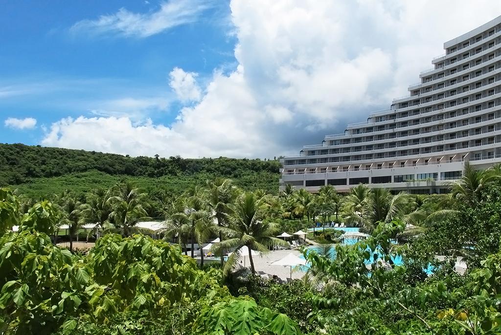 広大な敷地に自然の趣を残した大型リゾートホテル