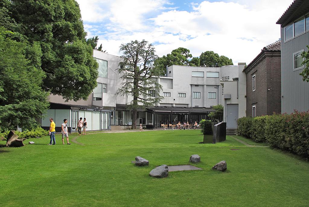 現代アートと美術館カフェの草分け的存在「原美術館」