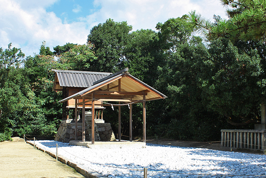 「護王神社」作品・設計:杉本博司