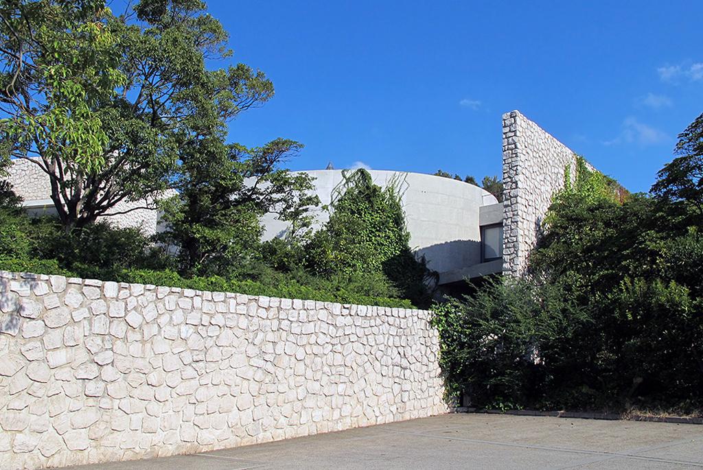 安藤忠雄設計の直島「ベネッセハウス ミュージアム」