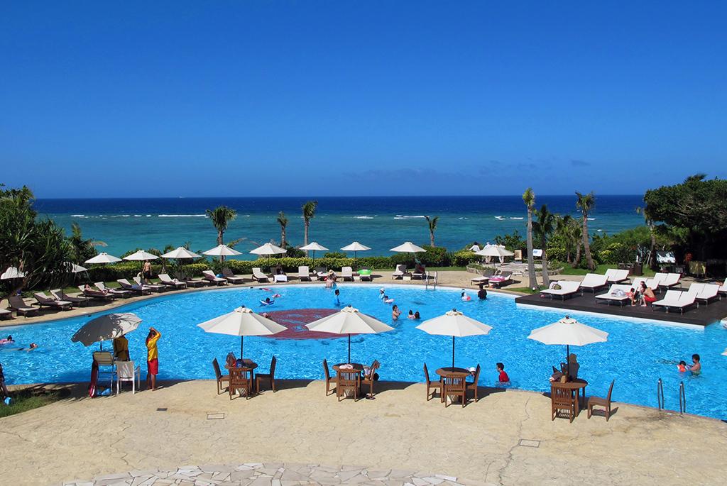 プチリゾートで夏を満喫!沖縄「ホテル日航アリビラ」