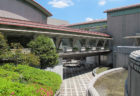 緑あふれる砧公園とその豊かな自然に佇む世田谷美術館