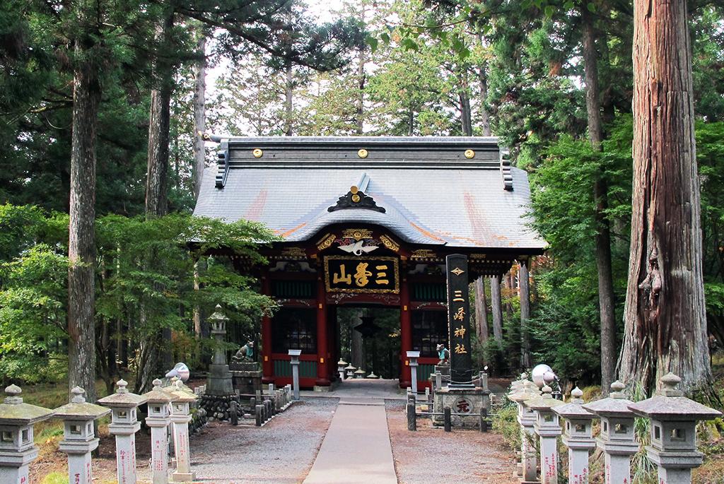 1792年に再建された「随身門」