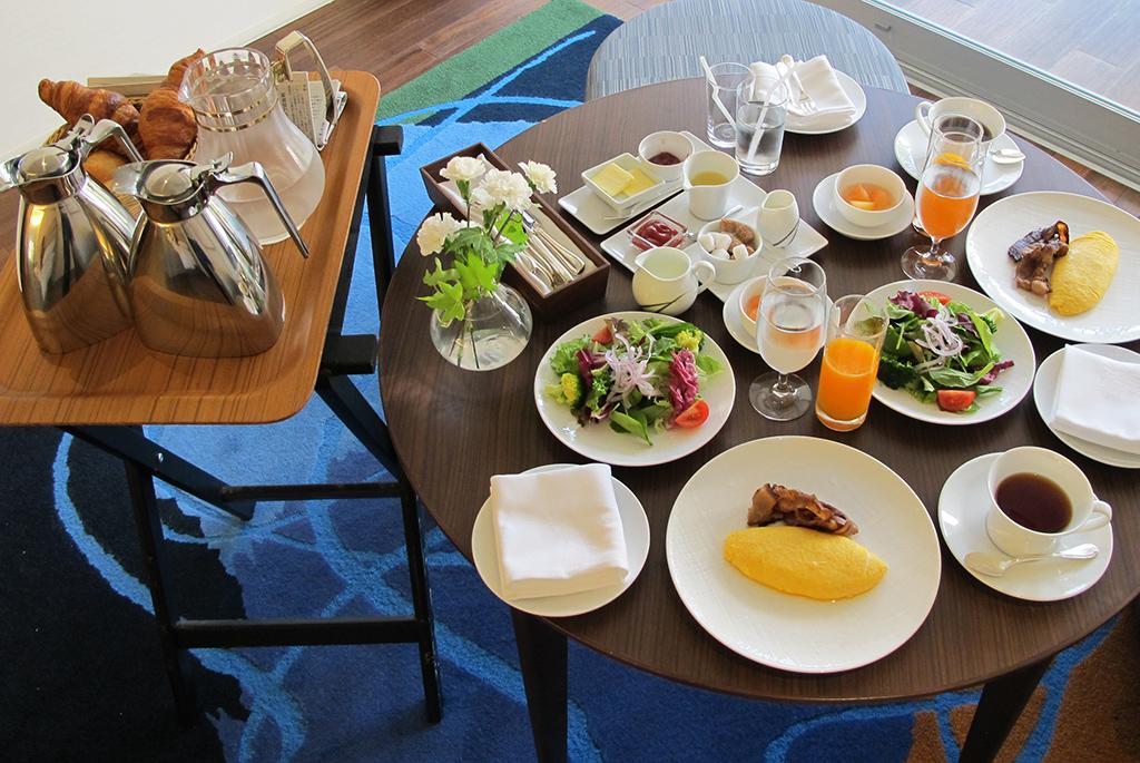 朝食はアメリカンブレックファーストで優雅に