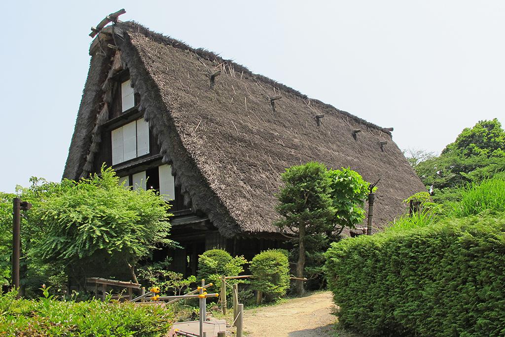 昔ながらの日本家屋を楽しめる日本民家園