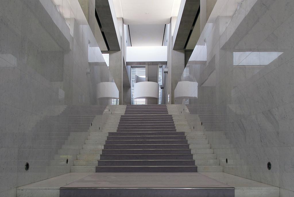 期待が高まる2階への階段