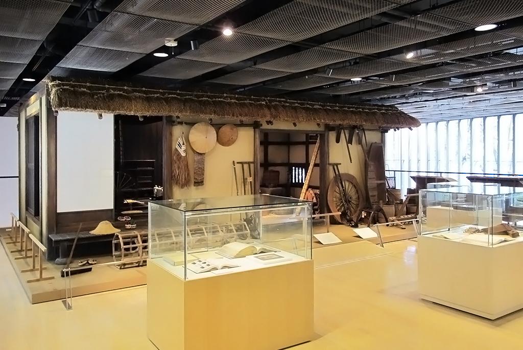 農家の古民家を再現したジオラマ展示