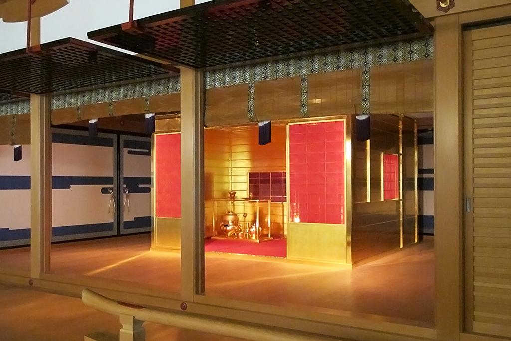豊臣秀吉が天下統一後に作った「黄金の茶室」