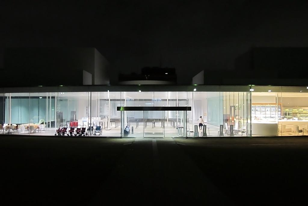 常に訪れたいランキングに入る「金沢21世紀美術館」