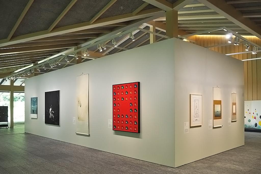 百年の杜のアート「紫幹翠葉」の展示風景