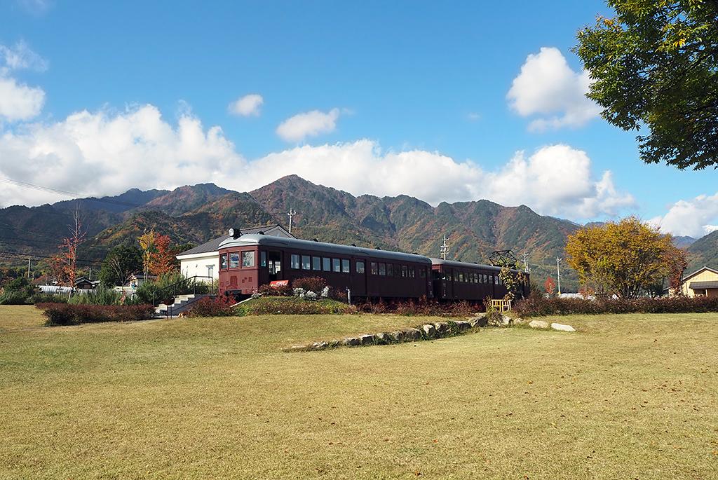 美術館のすぐ隣りにあるトットちゃん広場