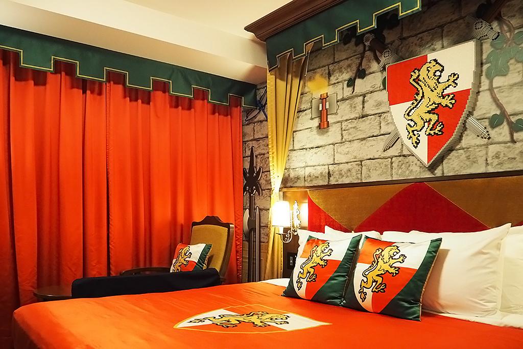 高潔の証の紋章など王国に滞在しているような客室